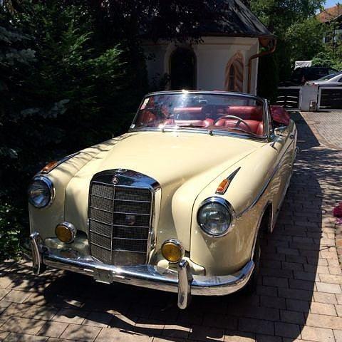 1956er Mercedes 220 S Ponton Cabrio fahren München