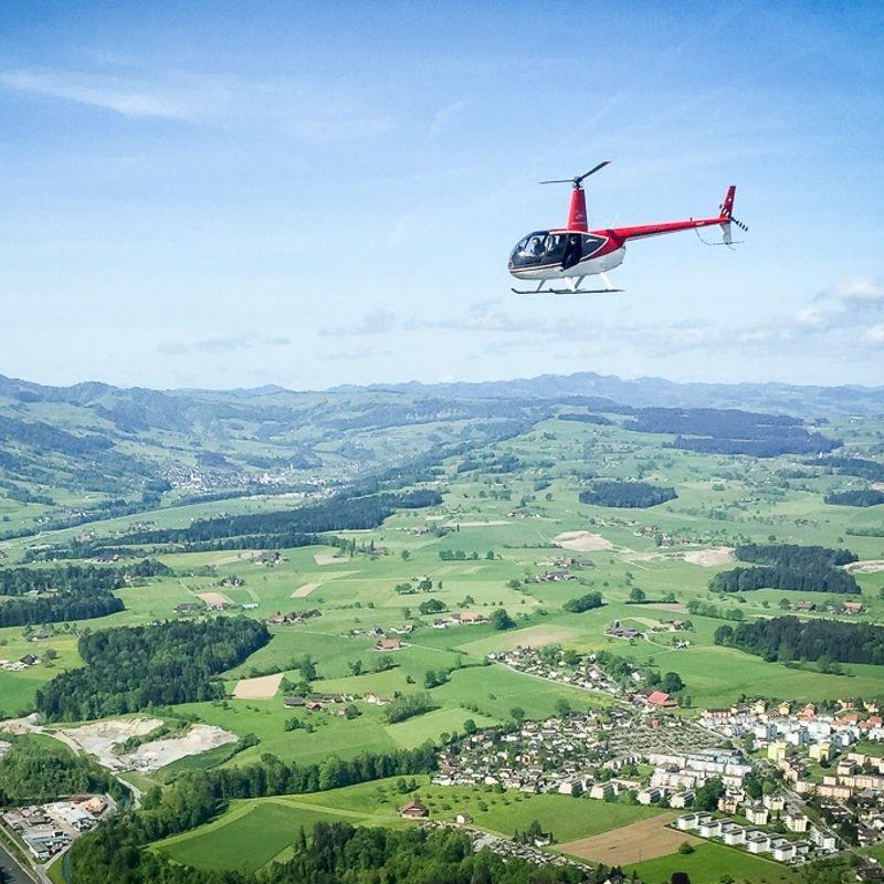 30 Minuten Hubschrauber-Rundflug – Region Breisgau