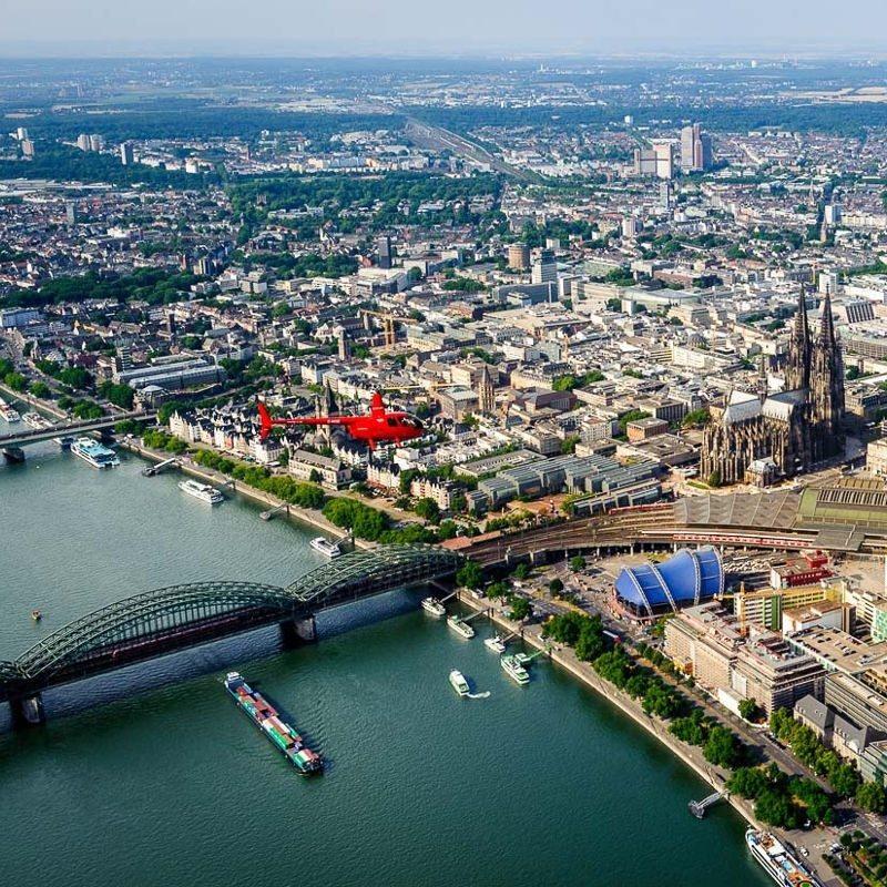 Exklusiver Rundflug Köln + Rhein