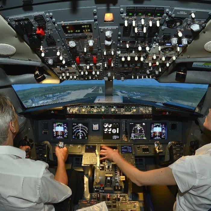 Flugsimulator vom Typ Boeing 737 - Raum Stuttgart