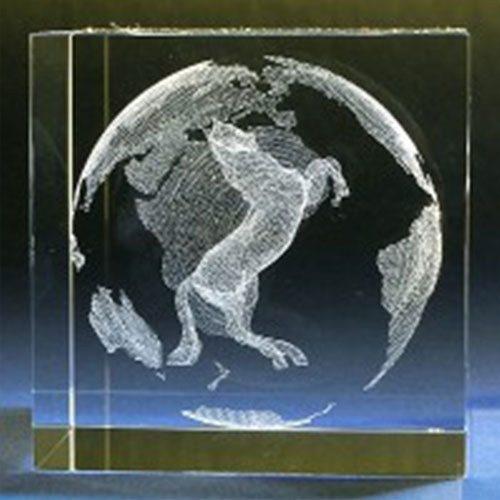 Pferd im Glaswürfel mit individualisierbarem Textfeld
