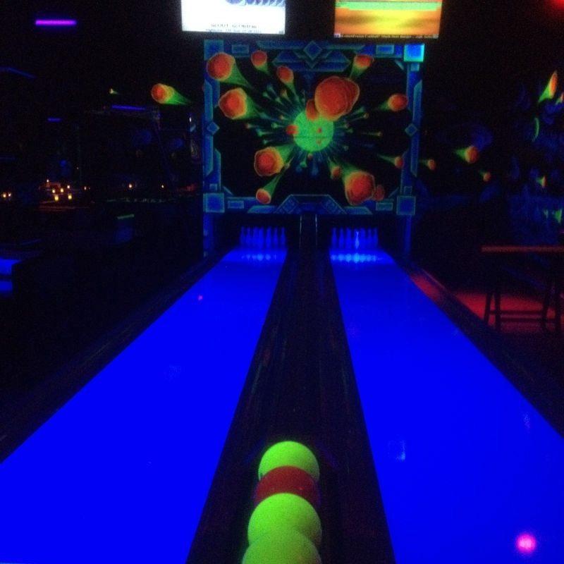 Schwarzlicht-Bowling - Berlin