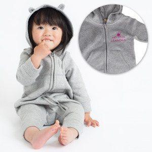 Personalisierter Baby-Onesie mit Öhrchen und Namen